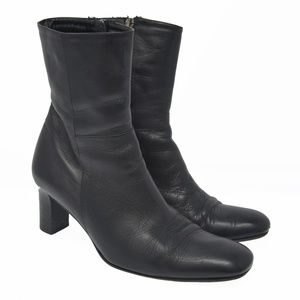 LRL Sz 7B Black Leather Zip Up Ankle Boots